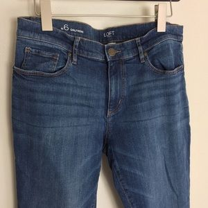 LOFT Outlet Girlfriend Medium Wash Jeans Size 6